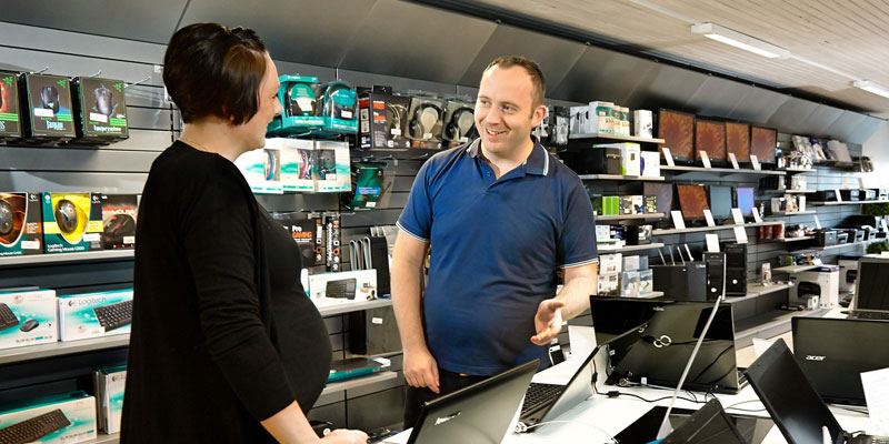 Køb PC og IT-udstyr i butik